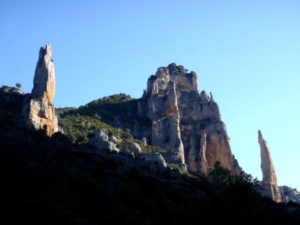 La Torre Santiago, la Ciudadela y la Cuca de Bellostas en el Mascún.
