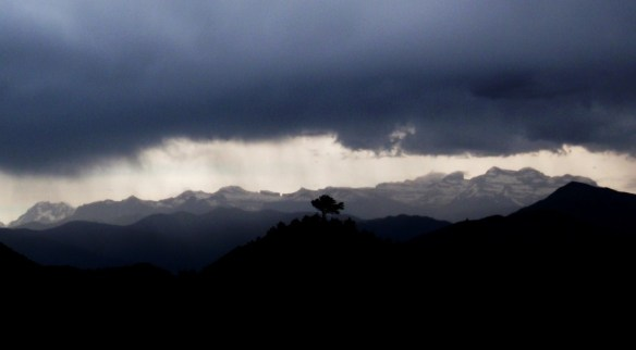 Una tormenta en las cercanías de El Pueyo de Morcat