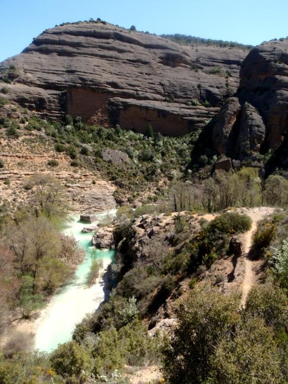 La bajada al Puente de Fuendebaños