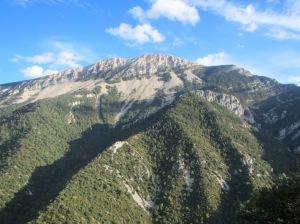 Las vistas al Tozal de Guara desde la cima de San Andrés