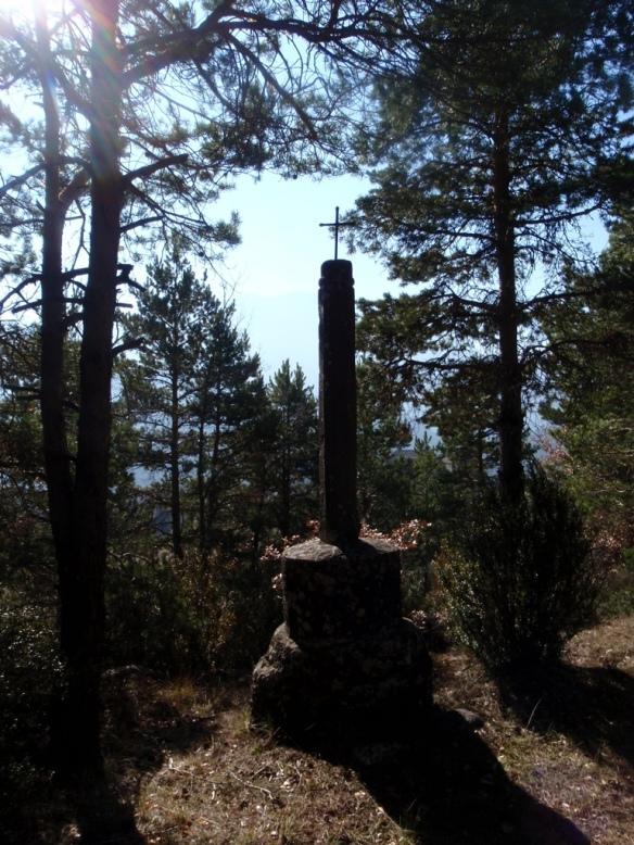 En el bonito camino que sube a la Peña del Santo