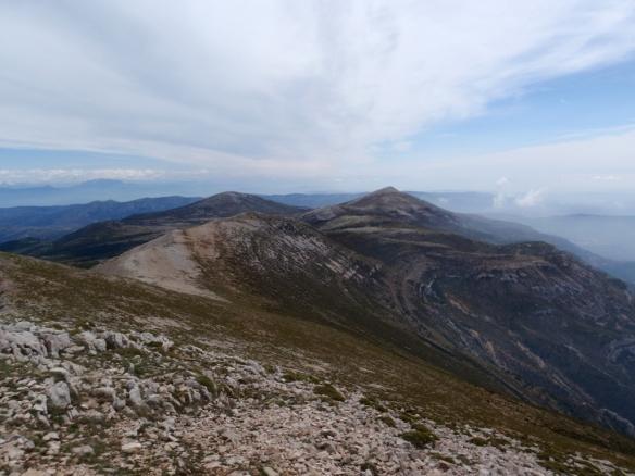 La larga cresta desde el Tozal de Guara hacia el Tozal de Cubilars