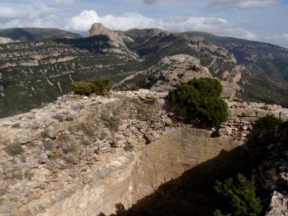 Vistas desde la misma ruina en la cima de la Peña de San Miguel hacia el Picón