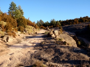 El camino que conecta Bara con Letosa