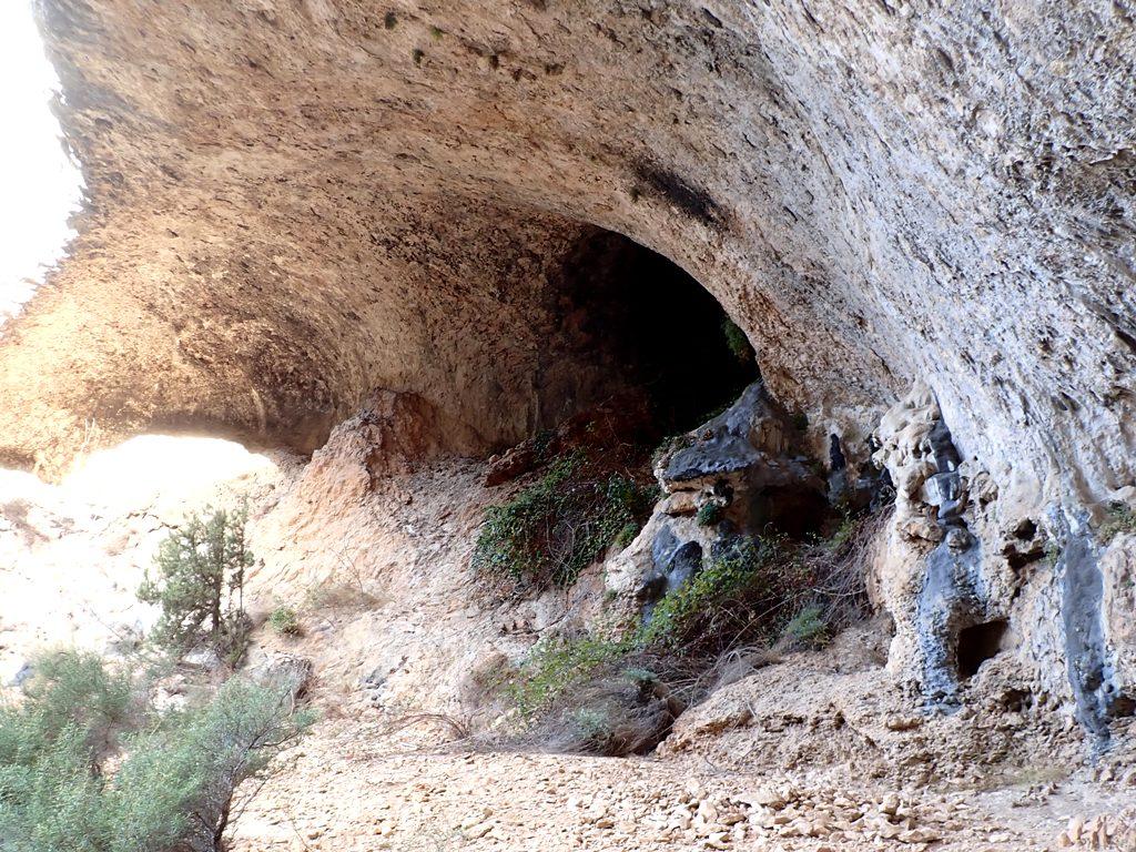 La cueva en el Barranco del Trucho